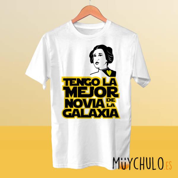 Camiseta Tengo la mejor novia de la galaxia