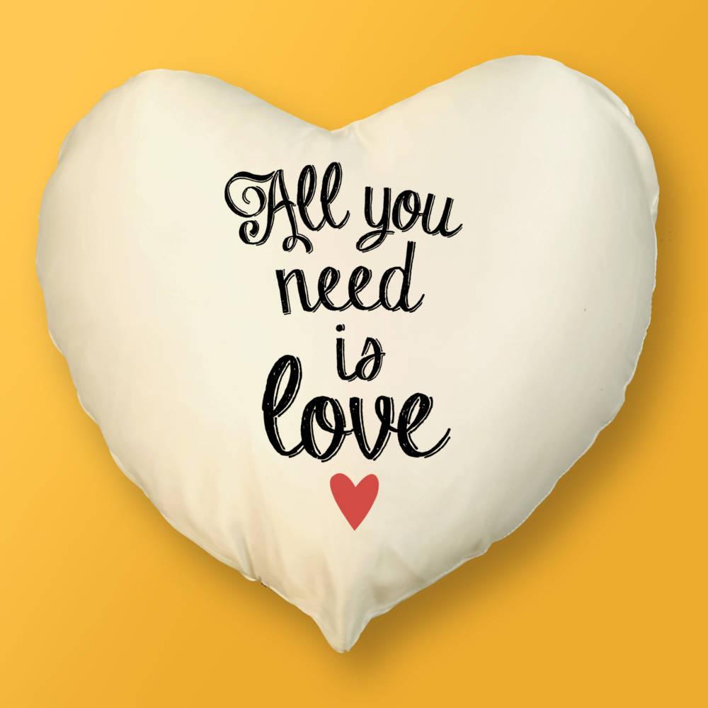 Cojín Corazón All you need is love