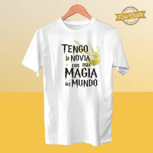Camiseta Tengo la novia con más magia del mundo